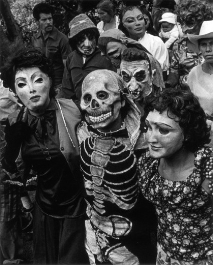 Iturbide, Graciela, Procession. Chalma, Mexico, 1984