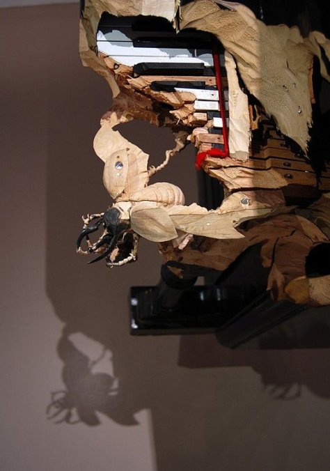 skeletons-and-insects-carved-from-wood-inanimate-objects-maskull-lasserre10